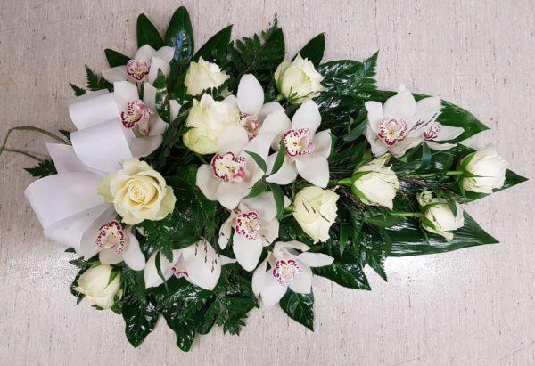 Kukkalaite orkideasta
