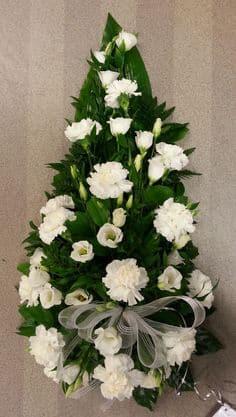Kukkalaite valkoinen neilikoista