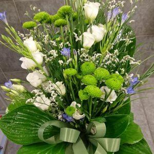 Laskettava kimppu valko-lila-vihreä